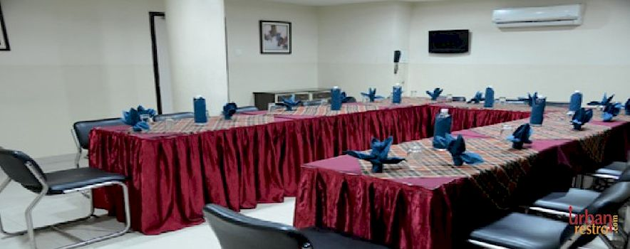 Hotel Savshanti Towers Vadodara. Banquet hall in Alkapuri